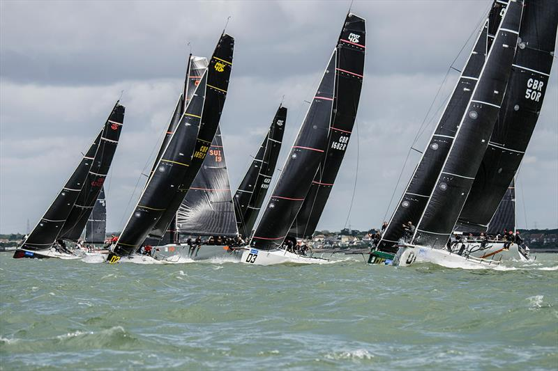 Fast 40 start line on day 4 of Lendy Cowes Week 2017 photo copyright Mike Jones / Waterlinemedia taken at Cowes Combined Clubs and featuring the Fast 40 class