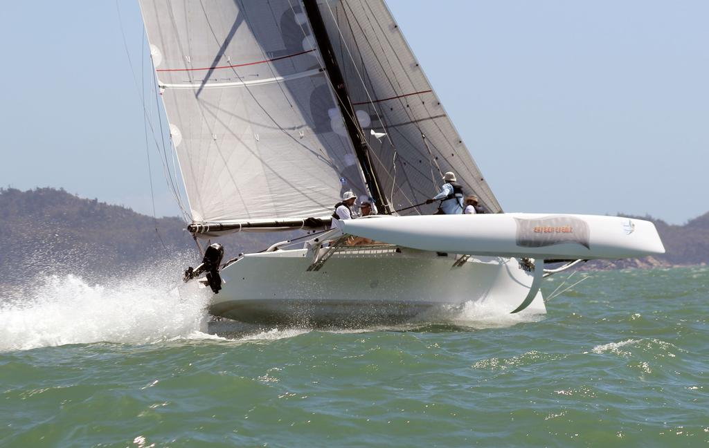 Carbon Credit with curved foil © SeaLink Magnetic Island Race Week Media SMIRW