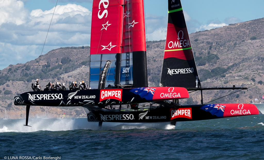Emirates Team NZ in full flight in San Francisco - what would an inquiry turn up? © Carlo Borlenghi/Luna Rossa http://www.lunarossachallenge.com