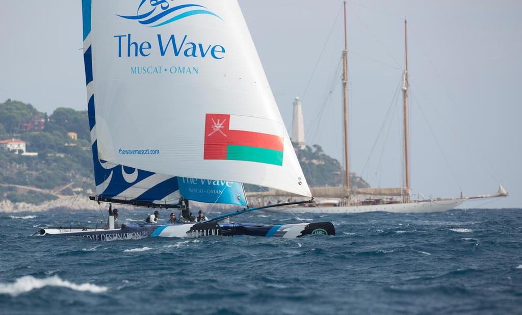 The Wave Muscat skippered by Leigh McMillan. © Lloyd Images