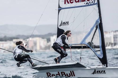 Alex Maloney and Molly Meech in the Red Bull 49erFX © Alberto sanchez