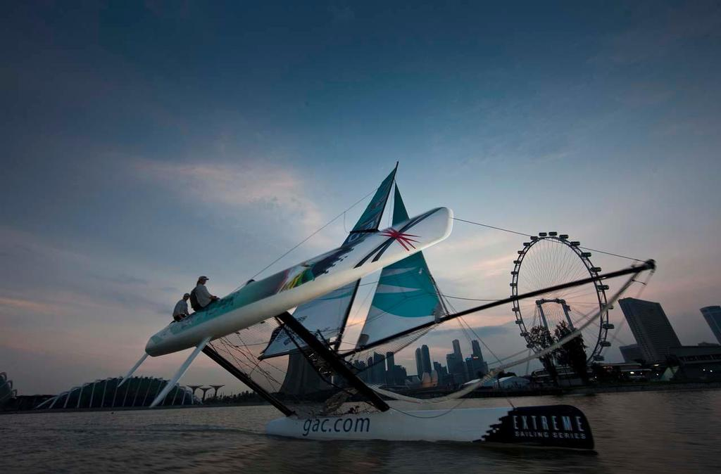 Team GAC Pindar infront of the impressive Singapore Flyer and skyline © Lloyd Images/Extreme Sailing Series