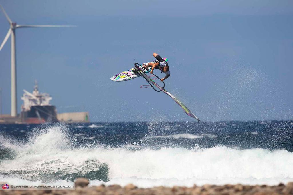Kenneth Danielsen in the zone - 2014 PWA Pozo World Cup / Gran Canaria Wind and Waves Festival ©  Carter/pwaworldtour.com http://www.pwaworldtour.com/