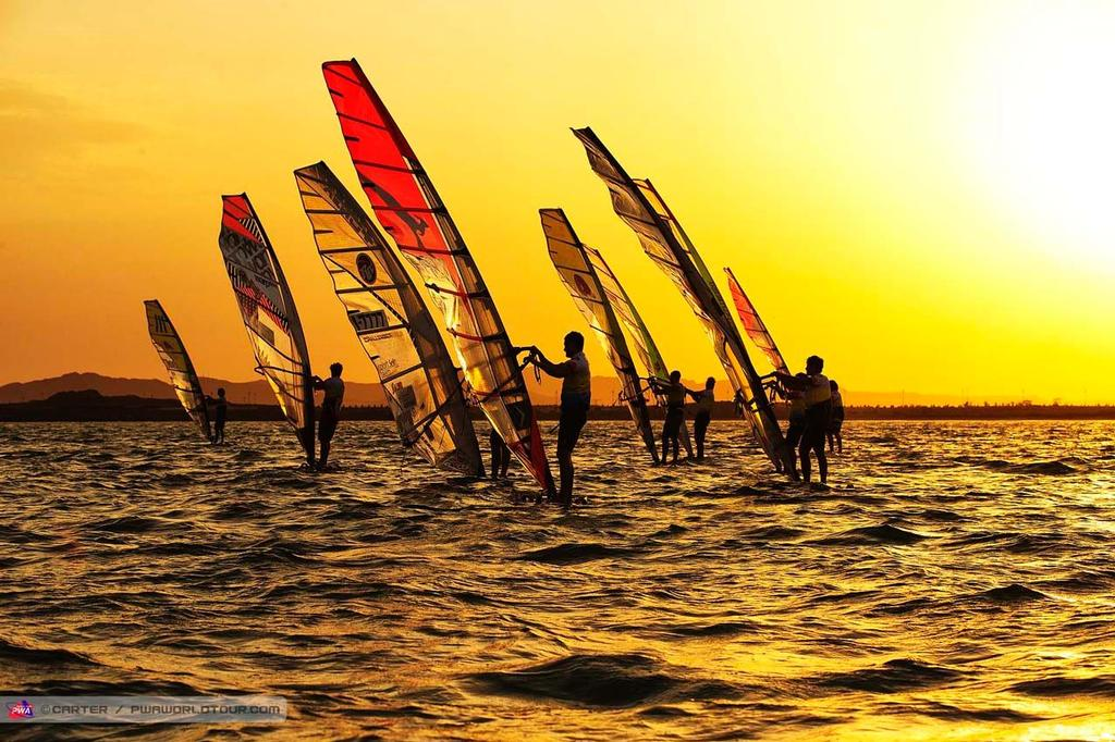 On hold at the start - 2014 PWA Awaza World Cup, Day 2 ©  Carter/pwaworldtour.com http://www.pwaworldtour.com/