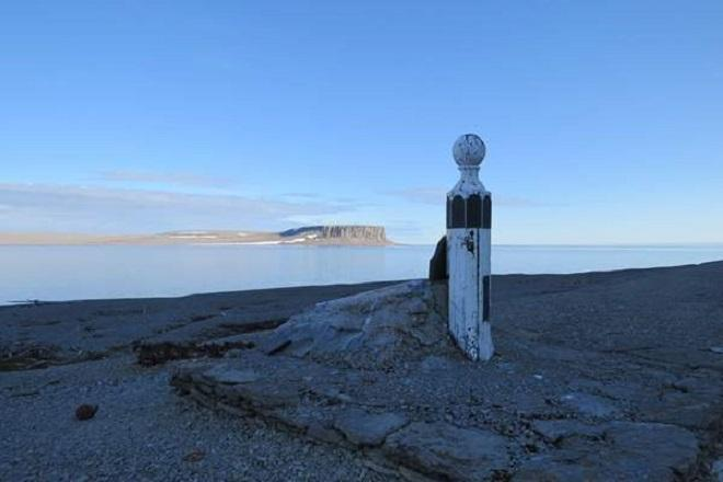 Franklin memorial - Beechey Island © Cornell Sailing Events