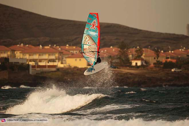 Table forward from Mauch - 2014 Tenerife PWA World Cup ©  Carter/pwaworldtour.com http://www.pwaworldtour.com/
