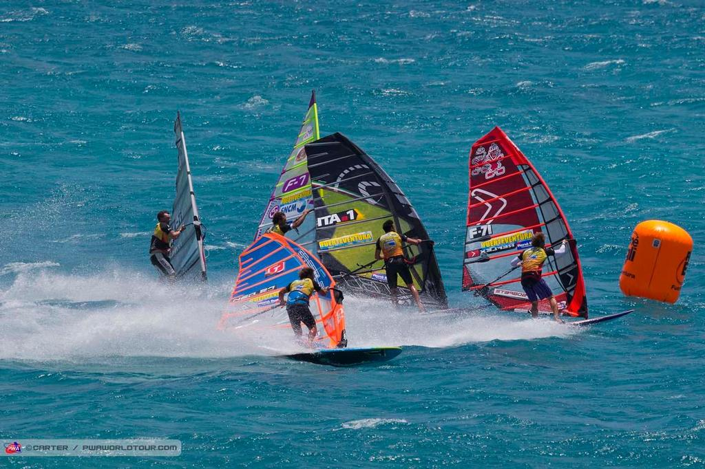 Into the first mark - 2014 PWA Fuerteventura Grand Slam ©  Carter/pwaworldtour.com http://www.pwaworldtour.com/