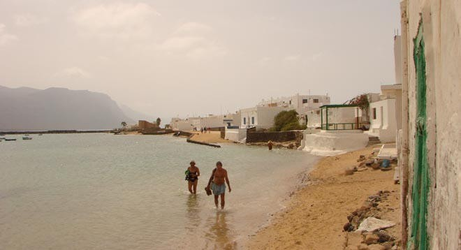 Island of Graciosa foreshore ©  SW