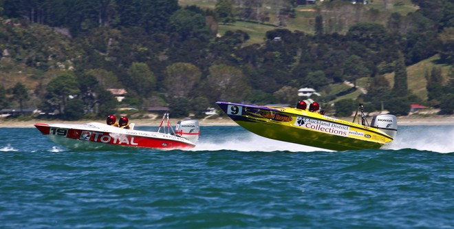 Mike Urquhart in 'Auckland District Collections 2'  © Cathy Vercoe LuvMyBoat.com http://www.luvmyboat.com