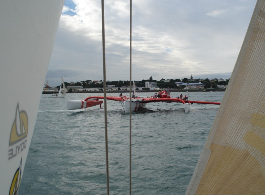 Preparing to cast off the rig with bouyancy attached - Team Vodafone Sailing © Colin Preston