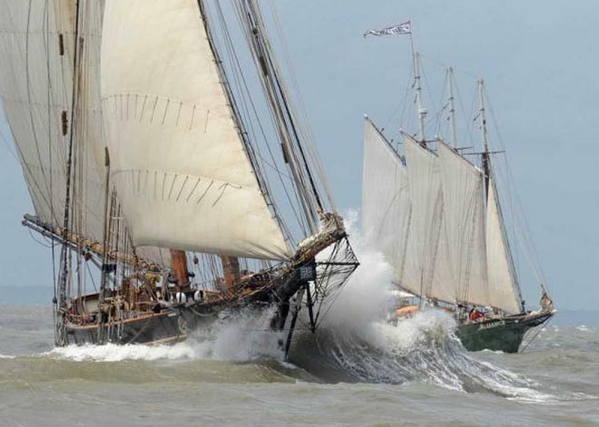 Pride of Baltimore II(left) and three-masted schooner Alliance ©  SW