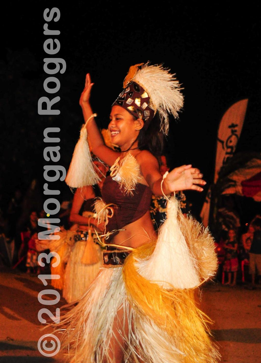 More relaxed environs with traditional dance on Huahine © Morgan Rogers