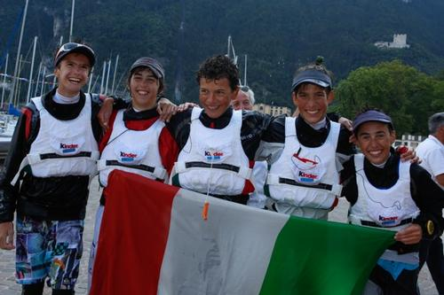 Optimist World Championship - Singapore named Team Racing champions © Matias Capizzano http://www.capizzano.com