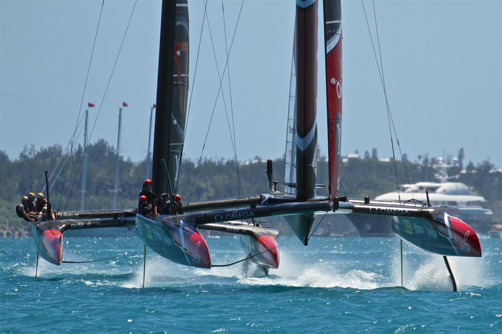 Emirates Team New Zealand and Oracle Team USA - 35th America's Cup Match - Race 4 - Bermuda  June 18, 2017 © Richard Gladwell www.photosport.co.nz