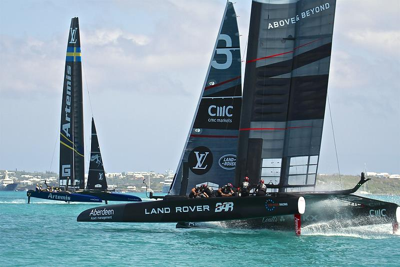 Land Rover BAR goes head to head with Artemis Racing - Race 3, Round Robin 2, Day 4 - 35th America's Cup - Bermuda May 30, 2017 - photo © Richard Gladwell