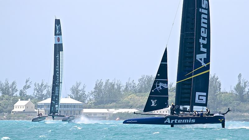 Artemis Racing closes for a cross with Softbank Team Japan - Leg 5 - Race 8 - Semi-Finals, America's Cup Playoffs- Day 13, June 9, 2017 (ADT) - photo © Richard Gladwell