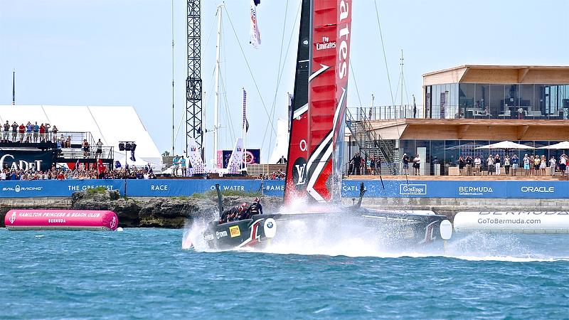 Emirates Team New Zealand salutes the fans -finish - Race 7 - Finals, America's Cup Playoffs- Day 15, June 12, 2017 (ADT) - photo © Richard Gladwell