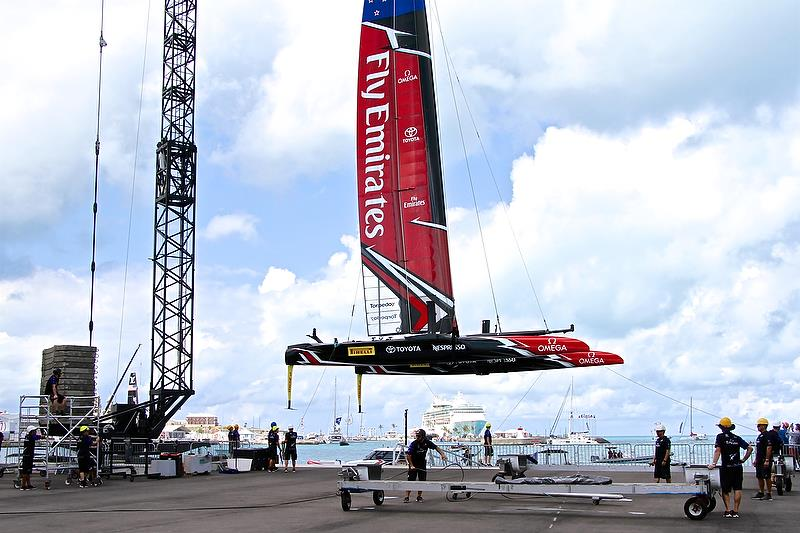The shore crew takes over as Emirates Team New Zealand is lifted ashore - America's Cup 35th Match - Match Day1 - Regatta Day 17, June 17, 2017 (ADT) - photo © Richard Gladwell