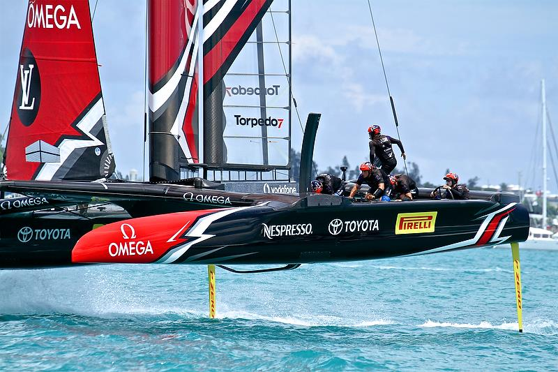 Emirates Team New Zealand sets up for the final gybe - America's Cup 35th Match - Match Day 5 - Regatta Day 21, June 26, 2017 (ADT) - photo © Richard Gladwell