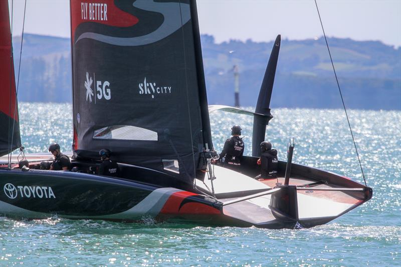 A close look at the deck-hugging double-skinned mainsail on Emirates Team New Zealand's Te Aihe - photo © Richard Gladwell / Sail-World.com