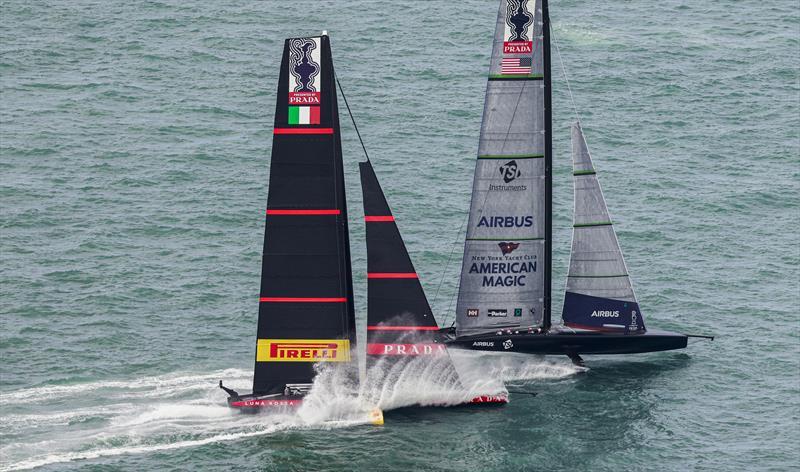 Luna Rossa Prada Pirelli vs New York Yacht Club American Magic on day 2 of PRADA ACWS Auckland © COR36 / Studio Borlenghi