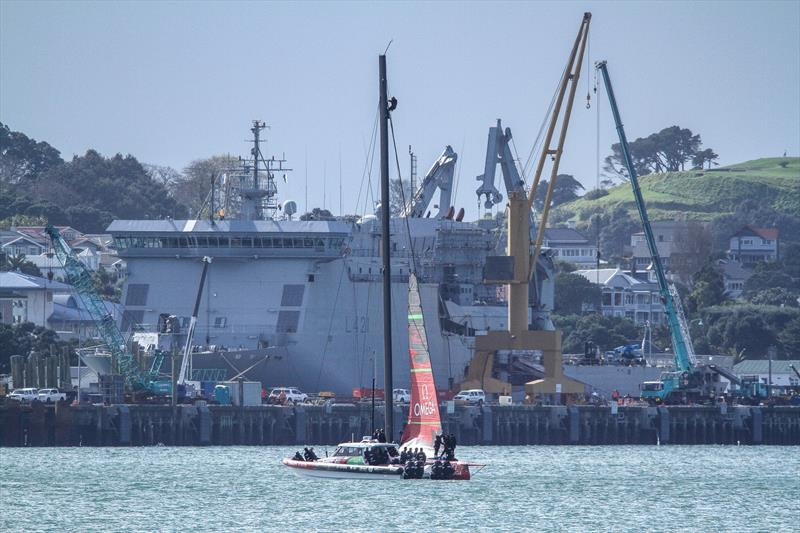 Emirates Team New Zealand - hoist jib - showing single spreader rig, Auckland, September 11, 2019 - photo © Richard Gladwell