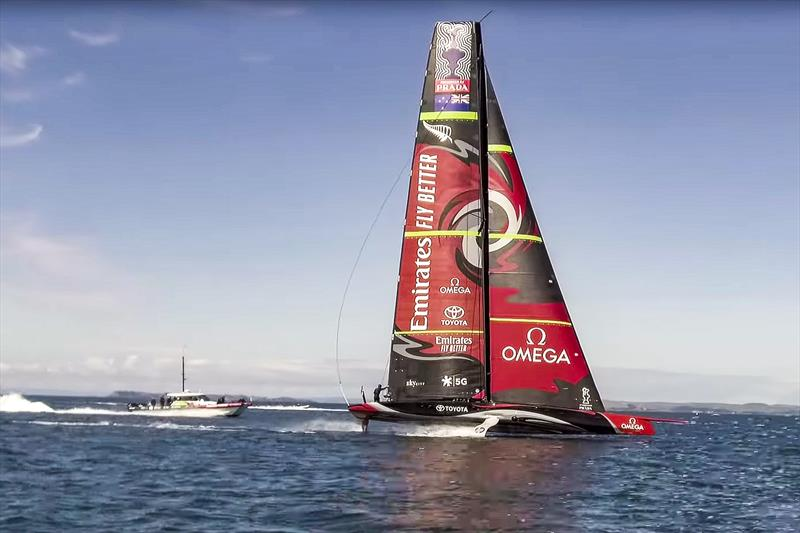 America's Cup: Emirates Team NZ's AC75 rises onto her foils for the first time - Video