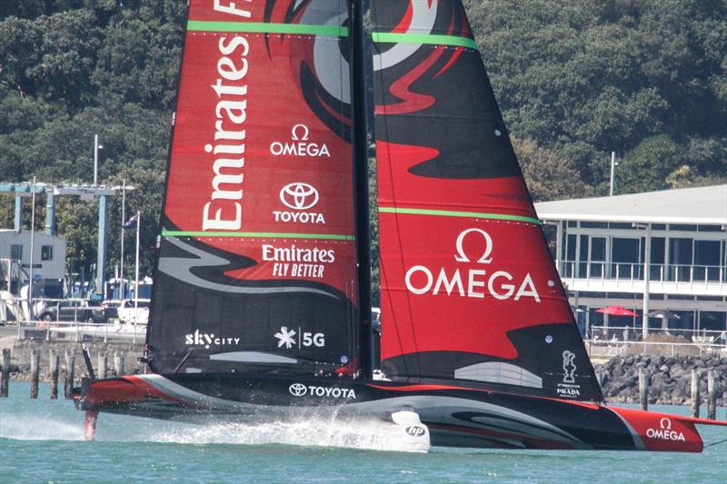Emirates Team NZ's first AC75 Te Aihe doing warm-up laps on the Waitemata ahead of a seven hour training session - November 4, 2019 - photo © Richard Gladwell / Sail-World.com