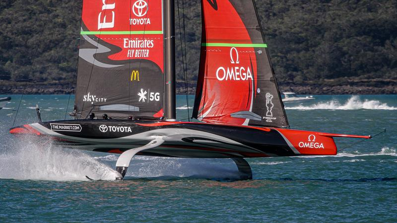 Emirates Team New Zealand sets up - Stadium Course - Waitemata Harbour - September 21, 2020 photo copyright Richard Gladwell / Sail-World.com taken at Royal New Zealand Yacht Squadron and featuring the AC75 class