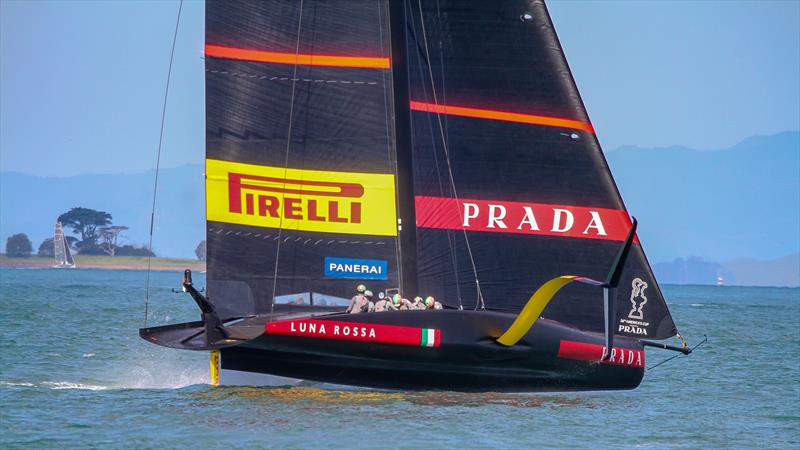 Luna Rossa Prada Pirelli - November 13, 2020 - Waitemata Harbour - Auckland - 36th America's Cup - photo © Richard Gladwell / Sail-World.com