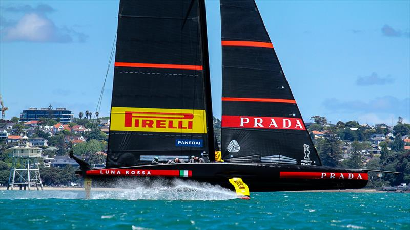 Luna Rossa Prada Pirelli - November 20, 20202 - Waitemata Harbour - Auckland - 36th America's Cup - photo © Richard Gladwell / Sail-World.com