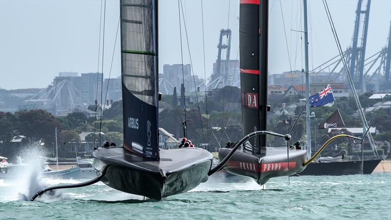 American Magic leads Luna Rossa - Waitemata Harbour - America's Cup World Series - December 18, 2020 - 36th America's Cup - photo © Richard Gladwell / Sail-World.com
