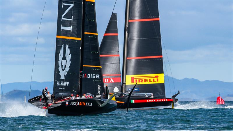 Luna Rossa and INEOS Team UK- Waitemata Harbour - January 23, 2021 - Prada Cup - 36th America's Cup - photo © Richard Gladwell / Sail-World.com