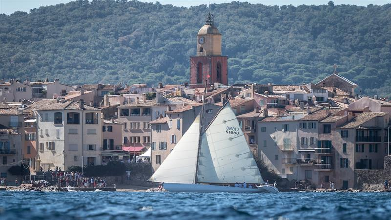 Kissimet racing in Saint Tropez at the Centenary Trophy photo copyright Jürg Kaufmann taken at Gstaad Yacht Club and featuring the Classic Yachts class