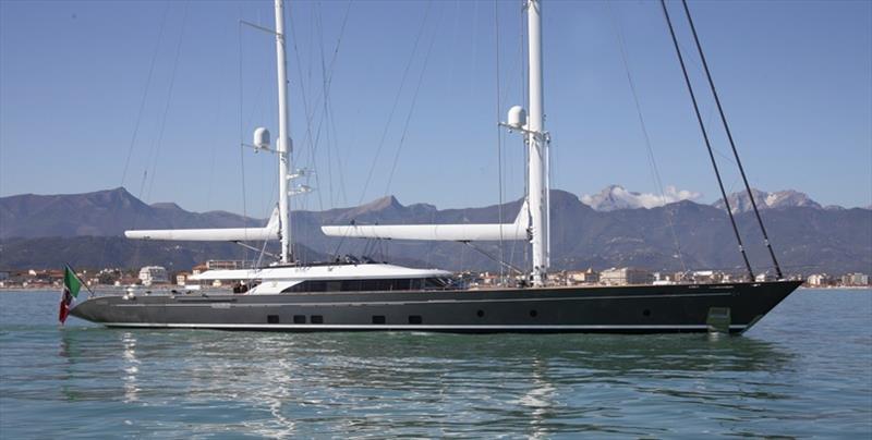 Perini navi seven wins best lighting at boat international design