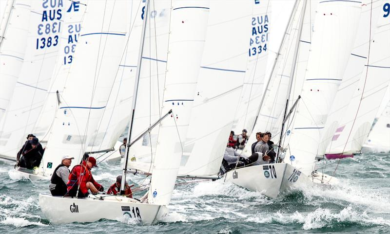 Fast Forward (Bow #18 AUS 865) skippered by Kenneth McBriar and crewed by Tony Bond and Jeff Casley lead this group of Etchells to the hitch or clearance mark - photo © Alex McKinnon Photography