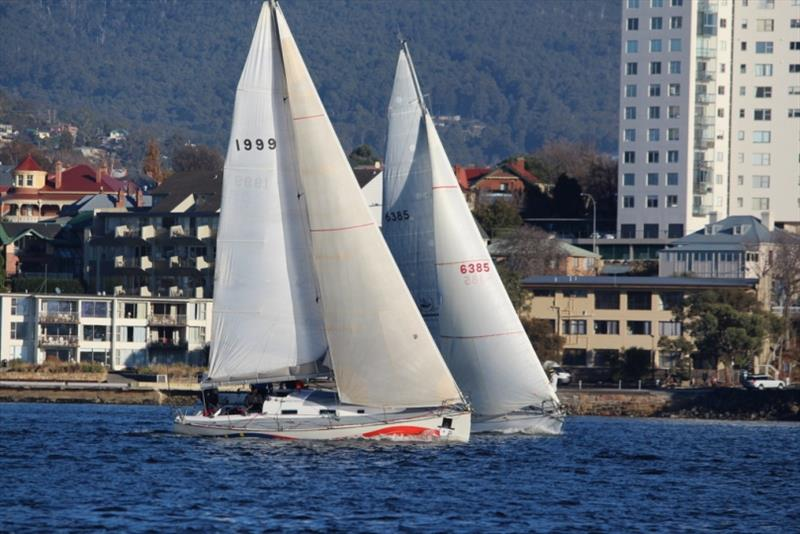 Close racing in Division 2 between Young Magic (to leeward) and Winstead Wines. - photo © Peter Watson