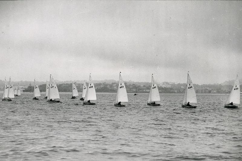 Apart from one small boat and the warship (ahead and to leeward of the leaders) Torbay was all but empty of spectator craft and there isn't a coach boat to be seen... - photo © Torquay Library / Henshall