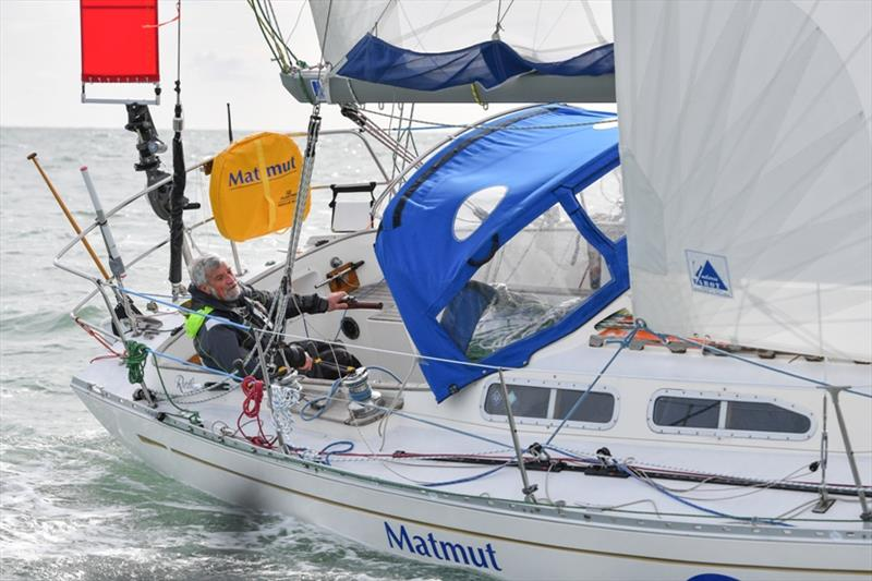 Race leader Jean-Luc Van Den Heede has suffered further damage to the mast on MATMUT and must sail with extreme caution upwind - photo © Christophe Favreau / GGR / PPL