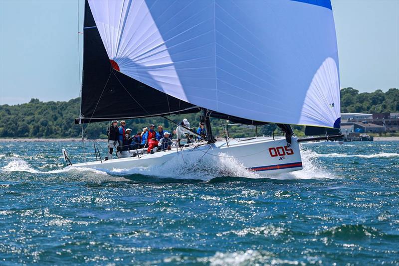 165th New York Yacht Club Annual Regatta Overall: Robin Team