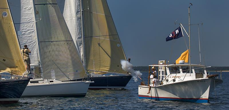 Start of Edgartown Yacht Club's 'Round-the-Buoy Races - photo © MacDougalls' Boatyard/Michael Berwind