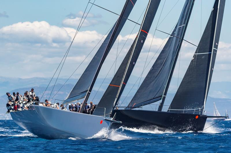 Alex Schaerer's Maxi 72 Caol Ila R jockeys with Sir Peter Ogden's 77ft Jethou. - Rolex Giraglia 2019 - photo © ROLEX / Studio Borlenghi