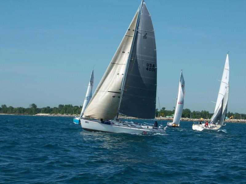 Starting line action at the Lake Michigan Singlehanded Society's Q Race - photo © Image courtesy of Lake Michigan Singlehanded Society/Phil Bush