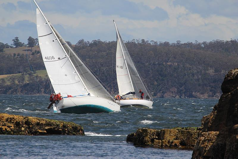Miss Conduct (Brian Fleming) hot on the heels of Astrolabe (Peter Bosworth) - Combined Clubs Summer Pennant Series  - photo © Peter Watson