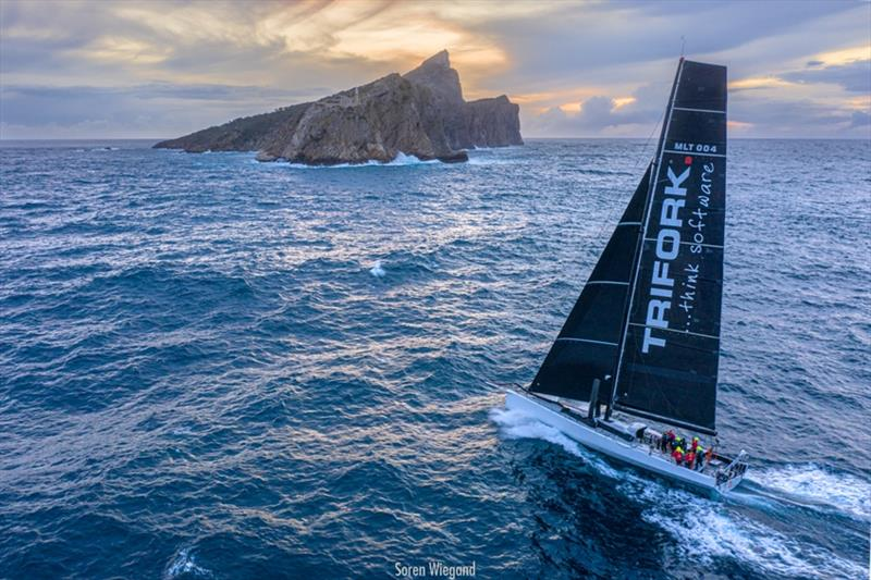 L4 Trifork set a new record around the island of Mallorca