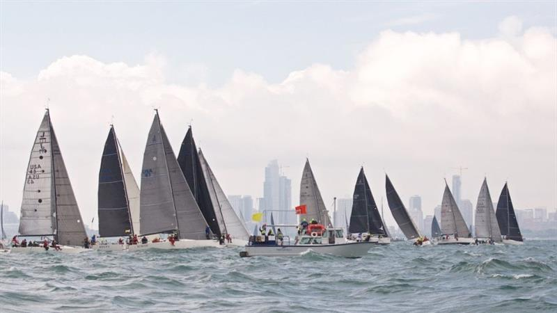 The J/111s begin the 2018 Chicago Yacht Club Race to Mackinac - photo © Meredith Block