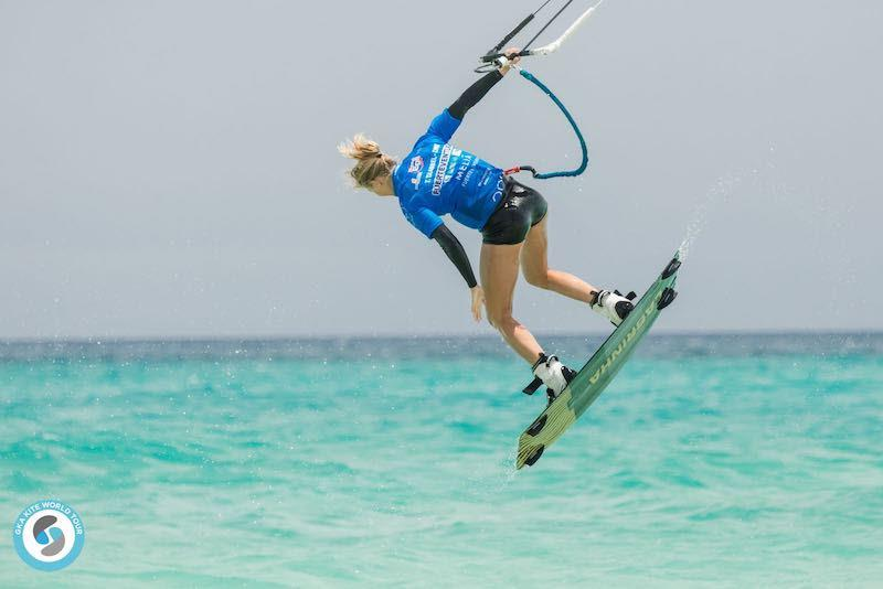 Therese laying her cards on the Taabbel - GKA Freestyle World Cup Fuerteventura 2019 - photo © Svetlana Romantsova