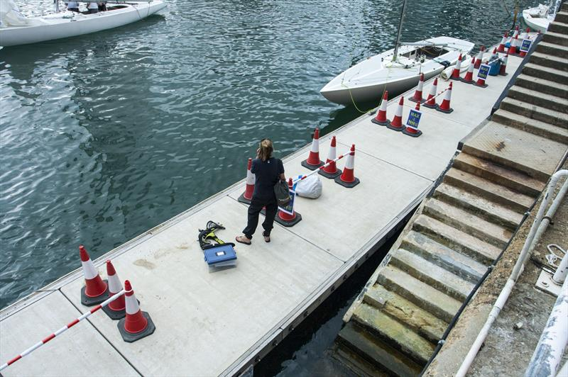 Social distancing on pontoons. Max 4 in a group, min 1.5m between groups - photo © Guy Nowell