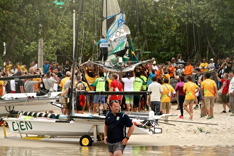 Botafogo Bay: The Beach in Rio was less than a few minutes walk to the sailing venue, however on the water the wind was fickle with big shifts in the early days of the 2016 Olympic regatta - photo © Richard Gladwell