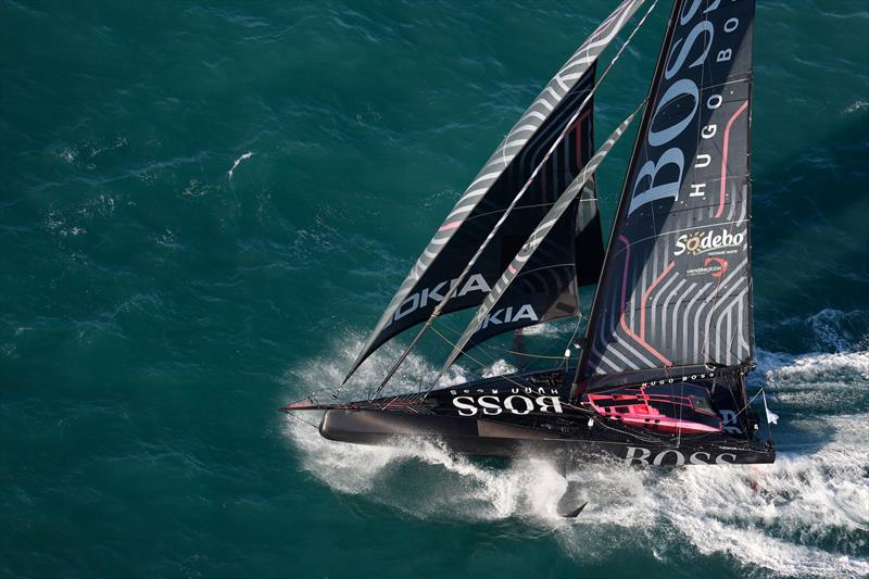 Alex Thomson Off To A Solid Start In The Vendee Globe